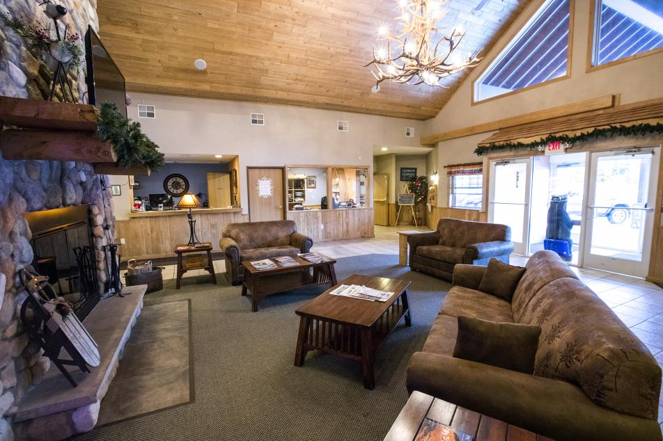 ParkView Lodge lobby